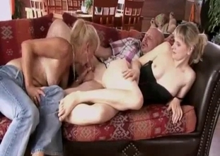 Three-way family fucking session in HD quality